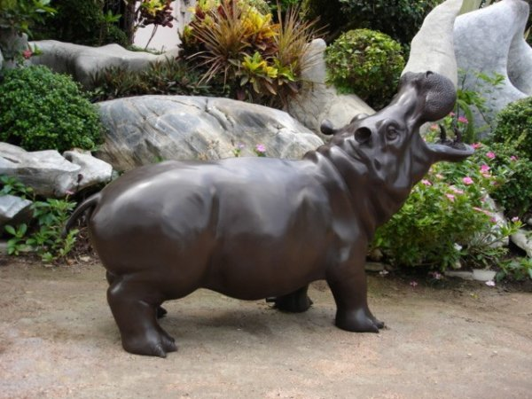 Bronze Hippo Fountain (med)