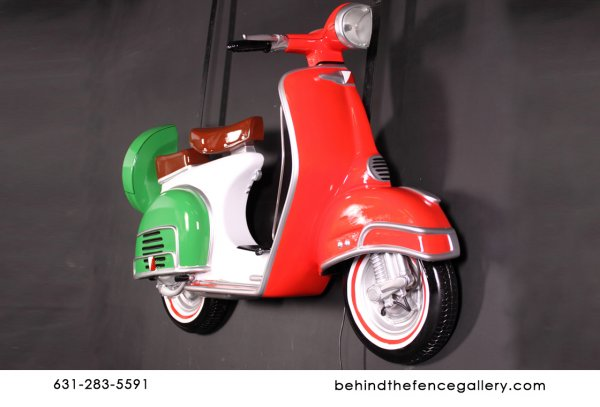 Italian Flag Motor Scooter Wall Mounted Statue