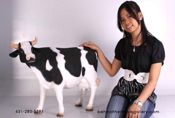 Dairy Cow Statue - Medium Size