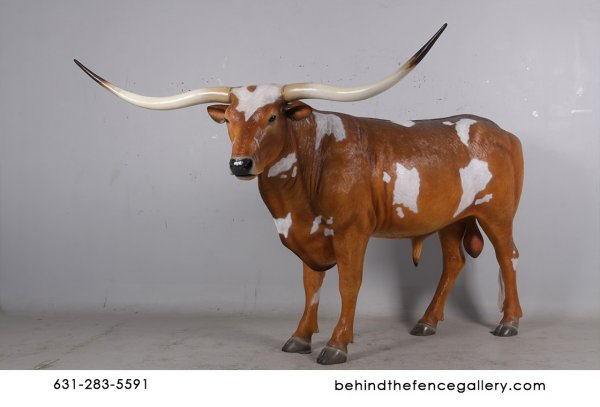 Texas Long Horn Steer Statue