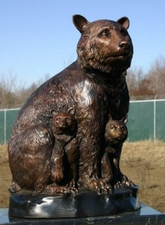 Bronze Bear Mom with Children